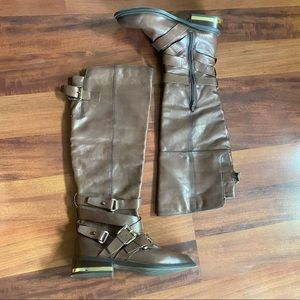 Aldo 9 Brown faux leather boots